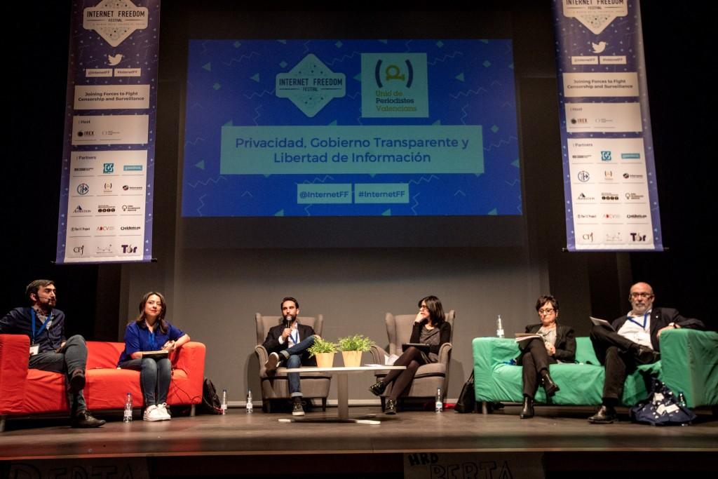 Valencia, 03.03.2016. Mesa redonda organizada por la Uni— de Periodistas Valencians 'Privacidad, Gobierno Transparente y Libertad de Informaci—n' del Internet Freedom Festival.